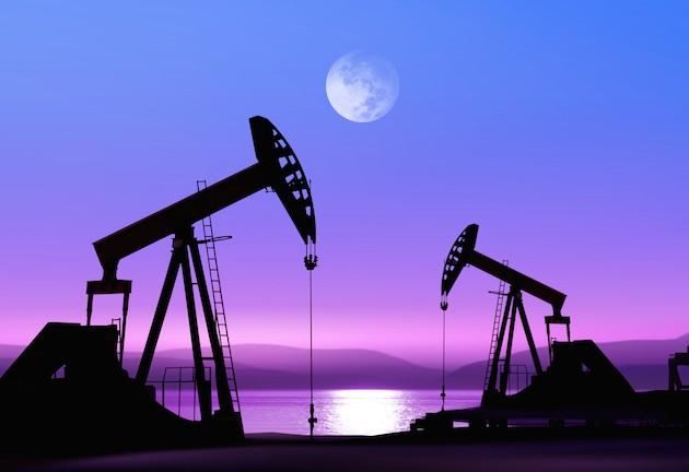 oil-pumps-at-night